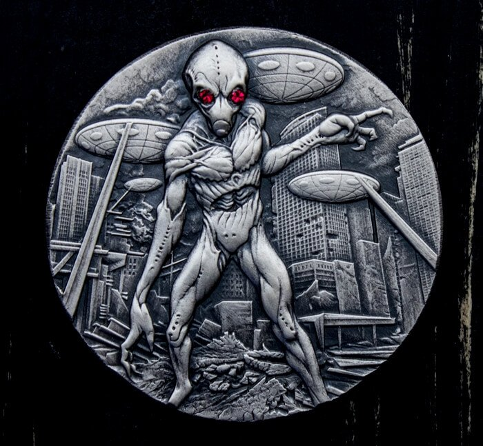 Alien Invasion 2 oz Antique finish Silver Coin 10000 Francs CFA Republic of Chad 2018